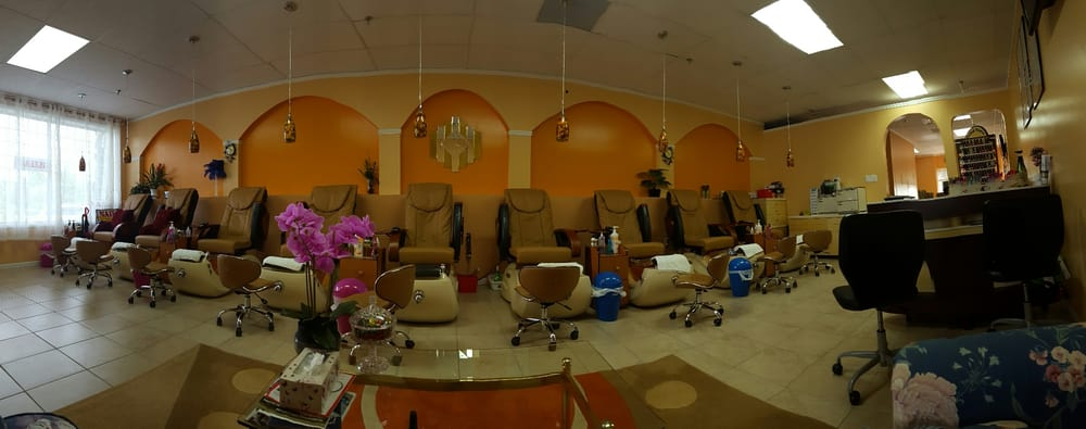Style Nails and Spa: 241 King St, Northampton, MA