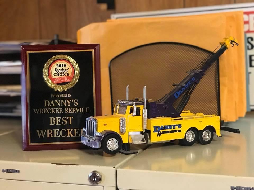 Danny's Wrecker Service: 915 Cecilia St, Alice, TX