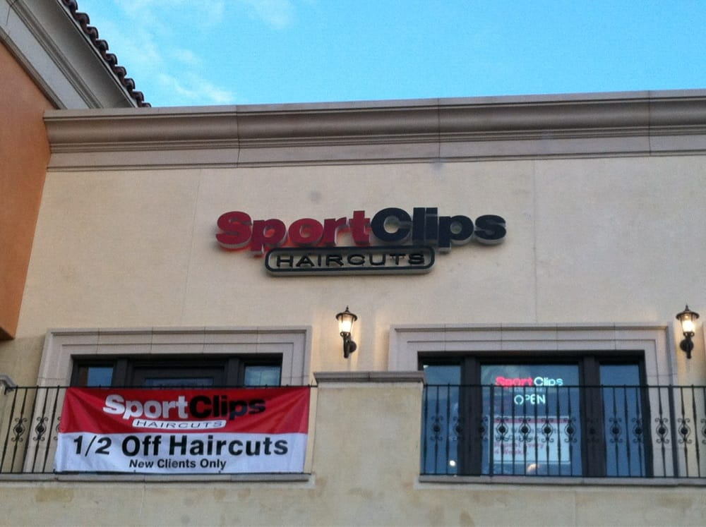 Sport clips haircuts 16 fotos 92 beitr ge friseur for O kitchen mission valley