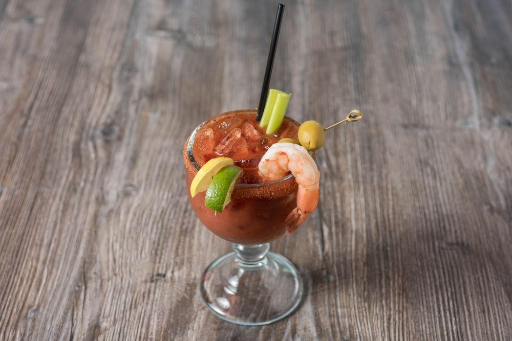 Mulligan's Beach House Bar & Grill - Sebastian: 806 Indian River Dr, Sebastian, FL
