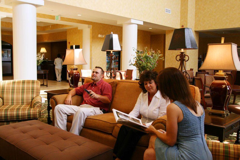 Hampton Inn & Suites Dobson: 150 Charlestowne Dr, Dobson, NC