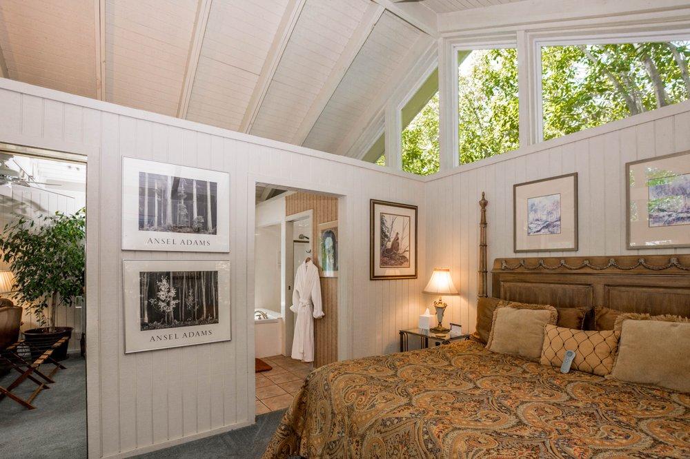 Beaver Lake Cottages: 2865 Mundell Rd, Eureka Springs, AR