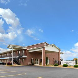 Photo Of Econo Lodge Inn Suites Searcy Ar United States
