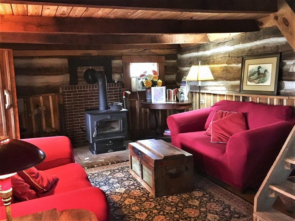 South River Highlands Country Retreat: 521 S Main St, Buena Vista, VA