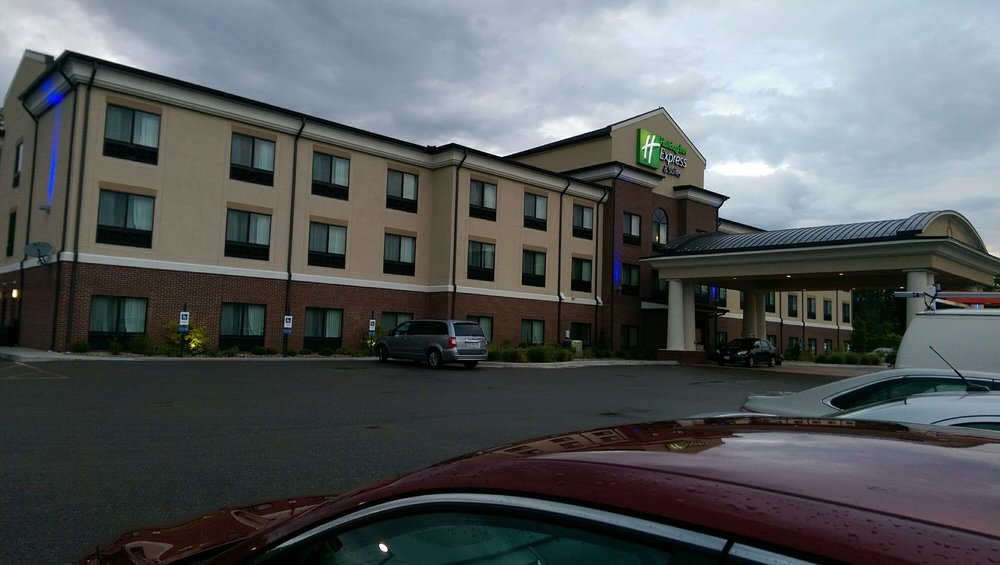 Holiday Inn Express & Suites - Cambridge: 2035 Southgate Pkwy, Cambridge, OH