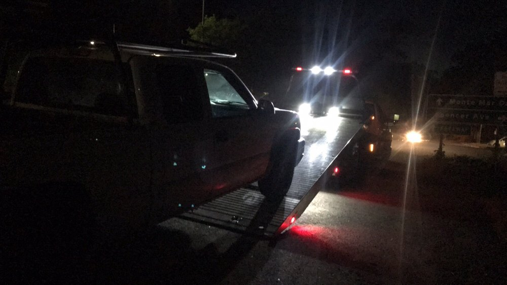 Towing business in Larkspur, CA