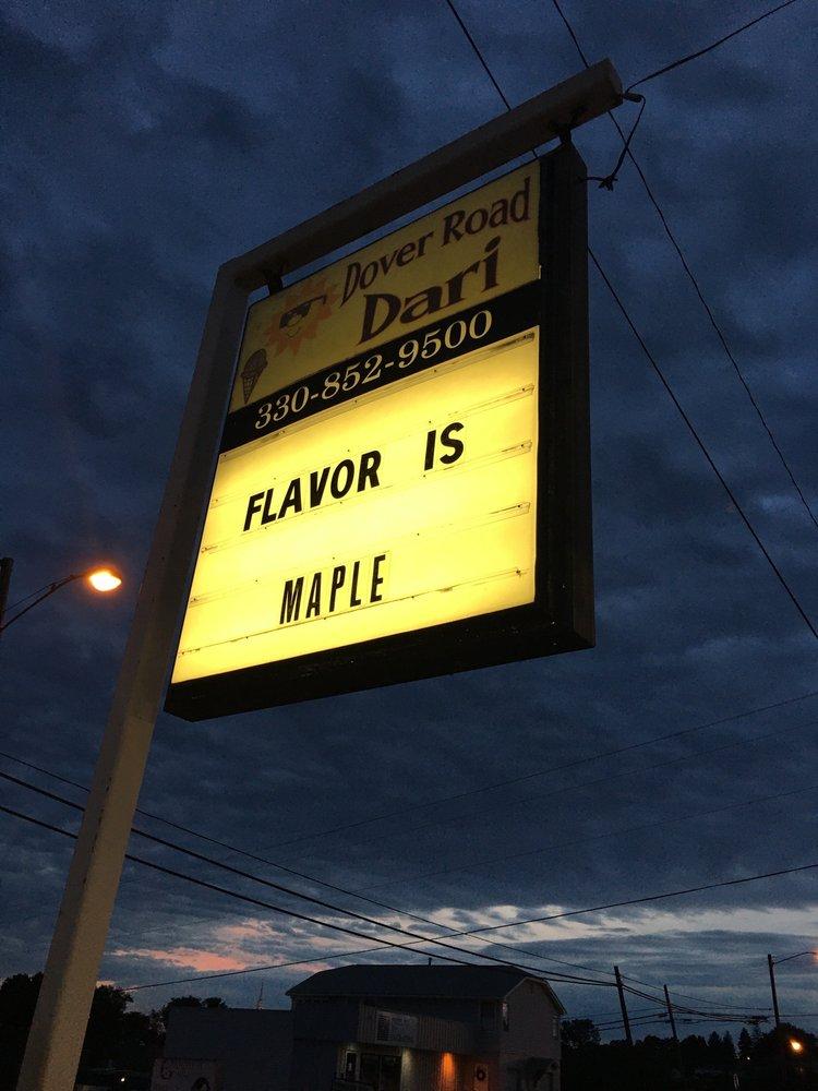 Dover Road Dari: 215 Dover Rd NW, Sugarcreek, OH