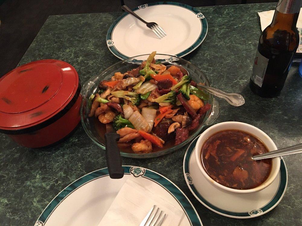 May-Wa Chinese & Vietnamese Restaurant: 620 Main St, Alamosa, CO