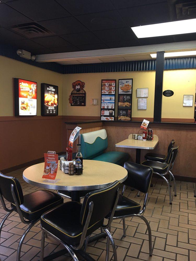 A&W Restaurant: 243 Flemingsburg Rd, Morehead, KY