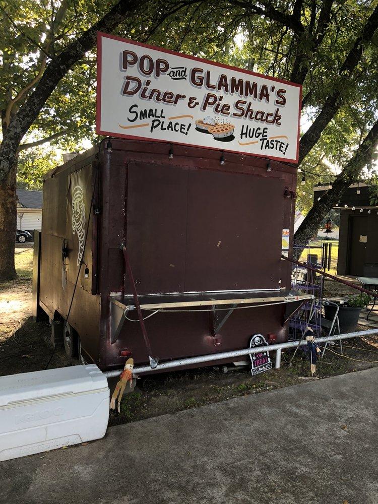 Pop & Glammas Diner & Pie Shack: US-287 & FM 228, Grapeland, TX