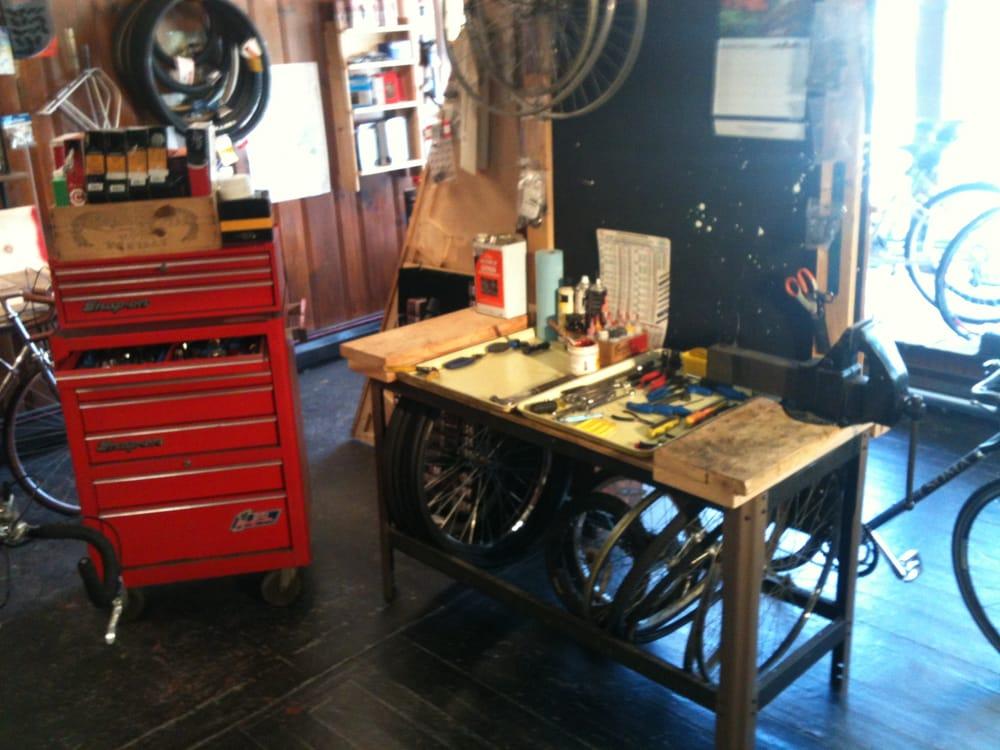 Green Light Bicycle Shop: 5 North Main, Belchertown, MA