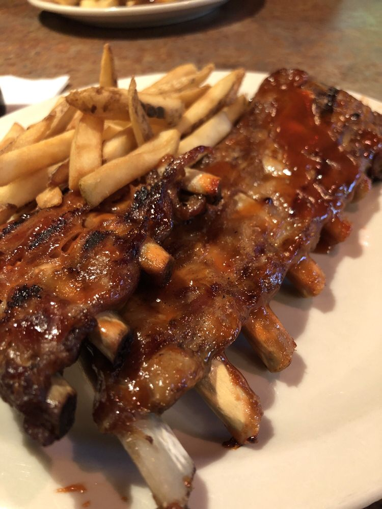 Dee Jay's BBQ Ribs & Grille: 380 Three Springs Dr, Weirton, WV