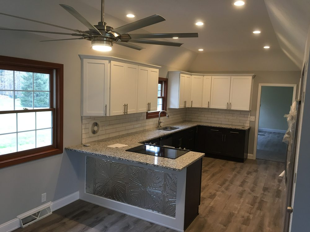 B Wright Building and Remodeling: Berlin Heights, OH