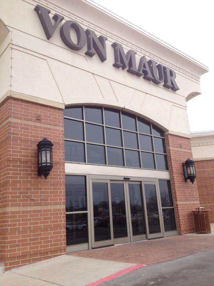 Von Maur at Valley West Mall: 1551 Valley W Dr, West Des Moines, IA