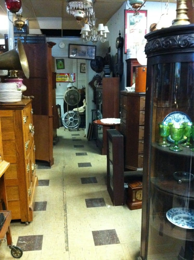 Jason's Antiques: 1343 W Washington St, Harpers Ferry, WV