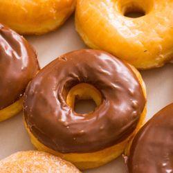 Star Donuts 16 Photos 49 Reviews Donuts 1040 W Kettleman Ln