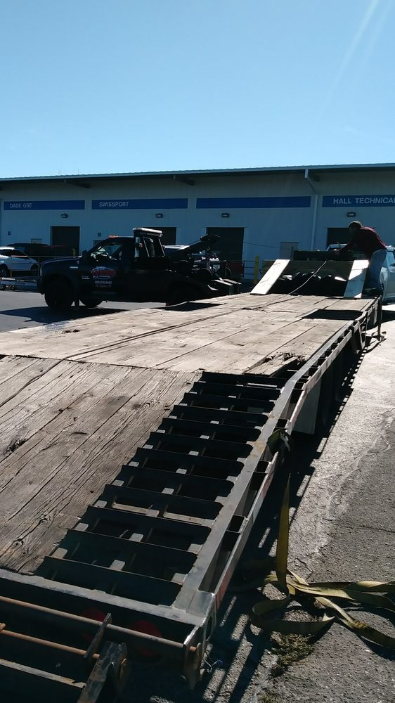 Acme Towing & Transporting: 1155 Cherokee Ave, Lehigh Acres, FL