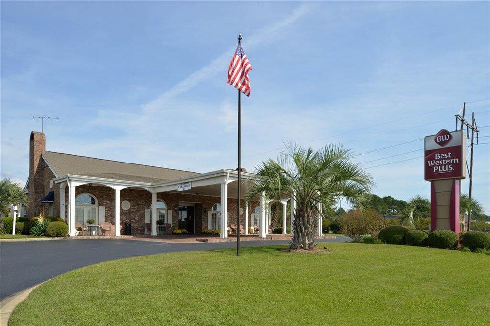 Best Western Plus Santee Inn: 9059 Old Number 6 Hwy, Santee, SC