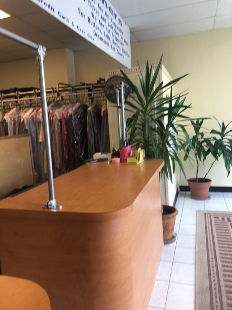 Brite Dry Cleaners: 20 MacDade Blvd, Collingdale, PA