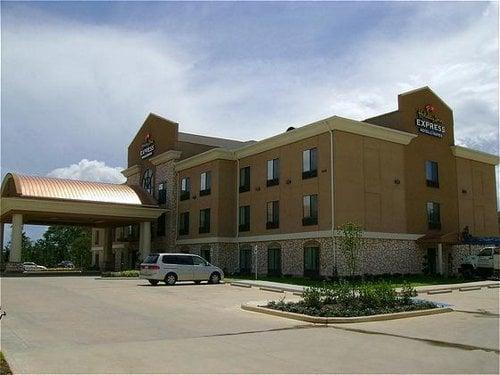 Hampton Inn & Suites Center: 141 Express Blvd, Center, TX