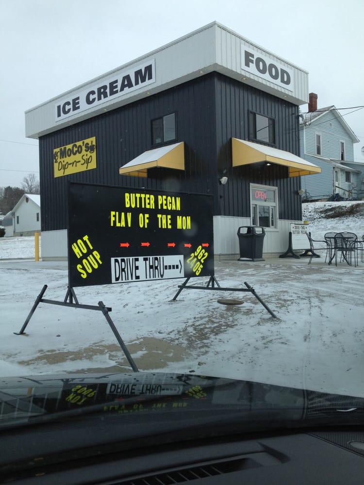 MoCo's Dip-n-Sip: 65 N 3rd St, McConnelsville, OH