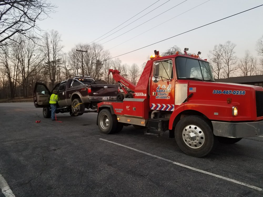 J&J Garage 24hr Towing: 159 Doughton St, North Wilkesboro, NC