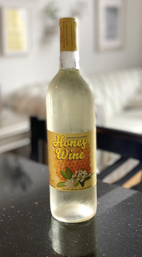 Sunshine Winery: W63N631 Washington Ave, Cedarburg, WI