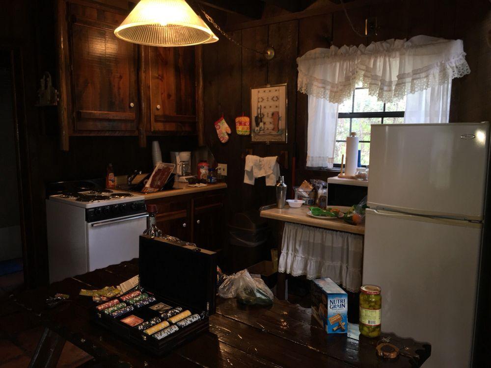 Bear Creek Motel & Cabins: 88 Main St, Pinos Altos, NM