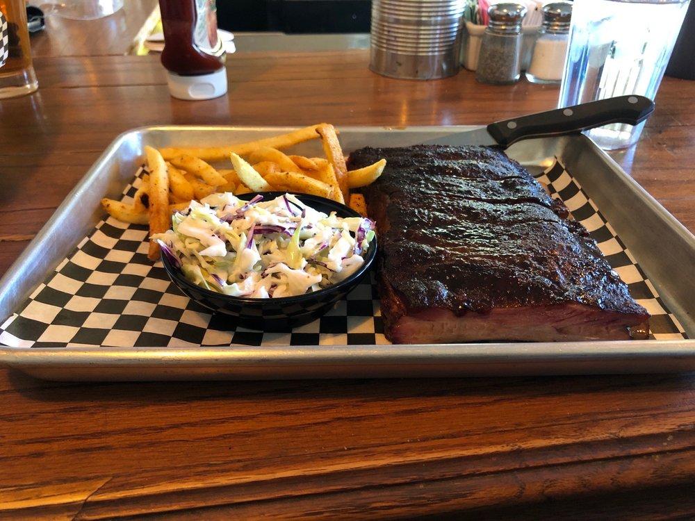 Boar's Breath Bar Grill & Smoker: 14667 Lakeshore Dr, Clearlake, CA