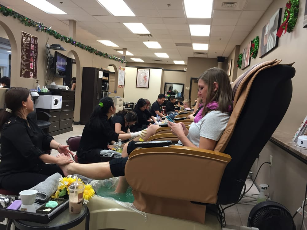 Modern Nails: 6800 Eastman Ave, Midland, MI