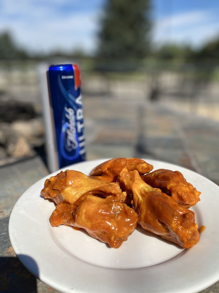 The Wingz King: 802 Meadow Lane Ave, Cody, WY