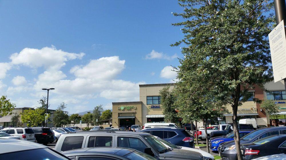 Laulani Village Shopping Center