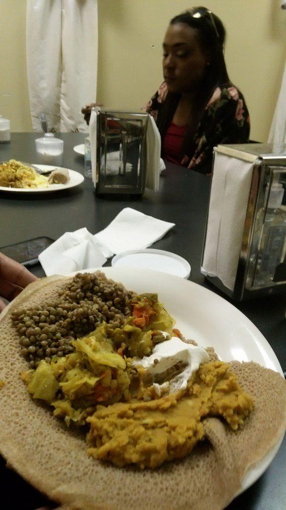 Food from Manna Weenta