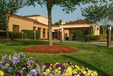 Courtyard by Marriott Greenville Haywood Mall: 70 Orchard Park Drive, Greenville, SC