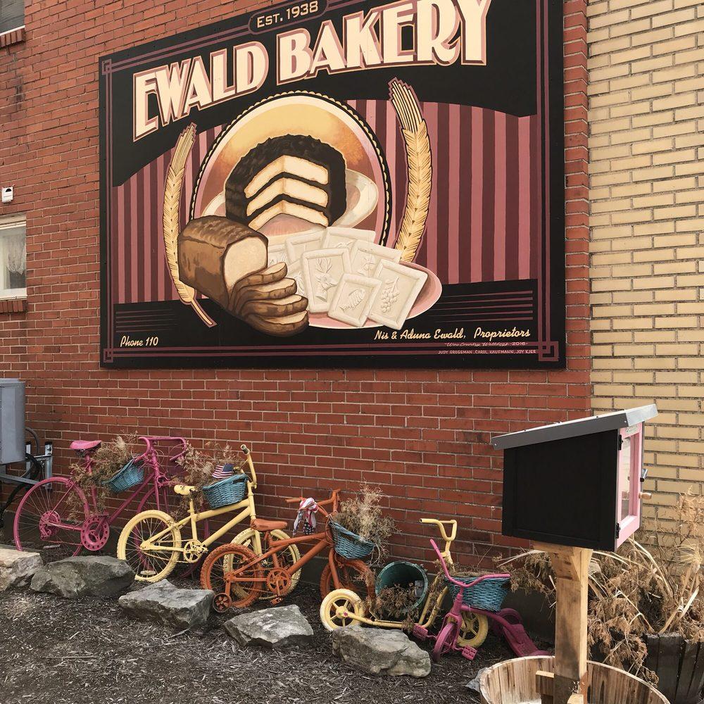 Sugar Momma's: 407 Market St, Hermann, MO