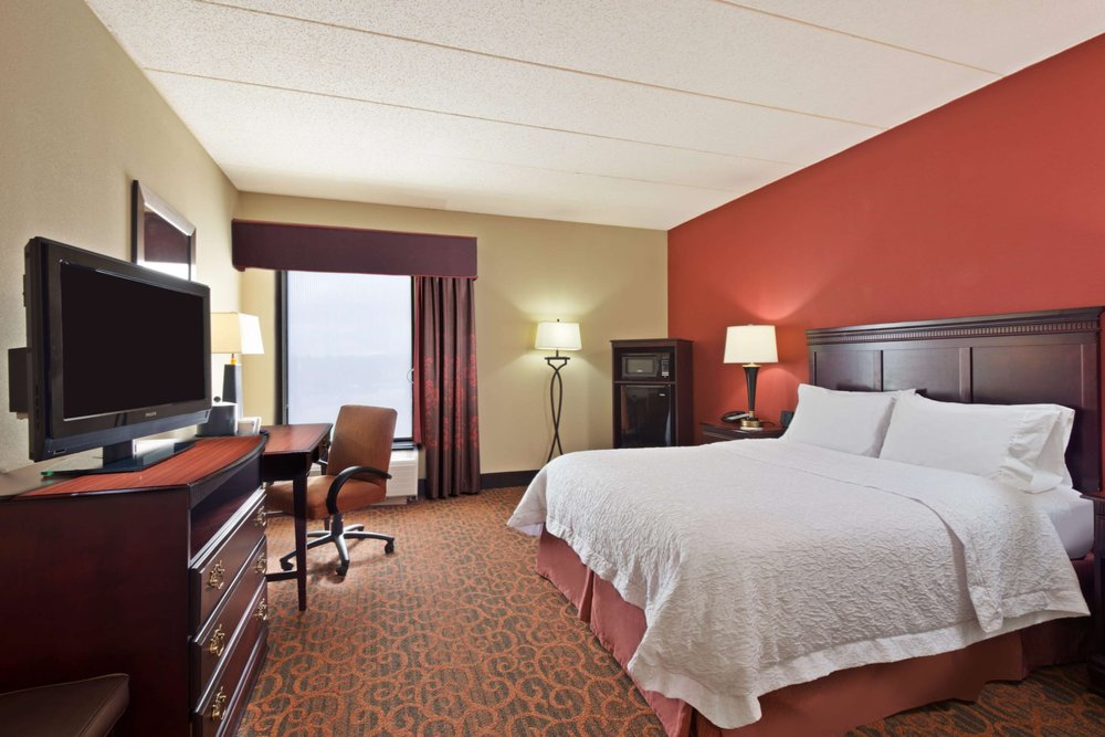 Hampton Inn Winfield/Teays Valley: 511 State Route 34, Hurricane, WV