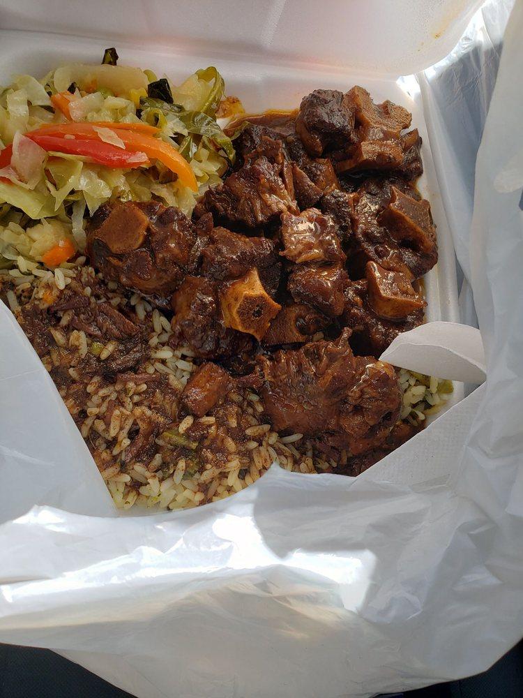 Golden Krust Caribbean Restaurant: 5370 Campbellton-Fairburn Rd, Fairburn, GA