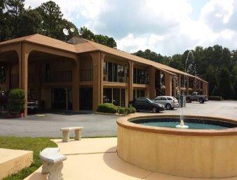 Super 8 by Wyndham Cartersville: 45 Highway 20 SPUR SE, Cartersville, GA