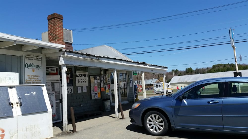 Ron's Market: 144 Franklin Ave, Farmington, ME