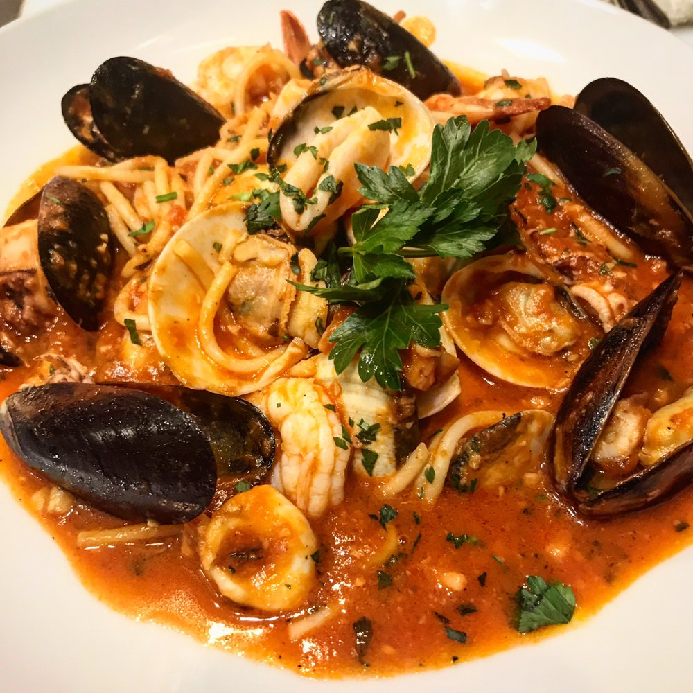 Lola Restaurant & Grill: 5555 Collins Ave, Miami Beach, FL