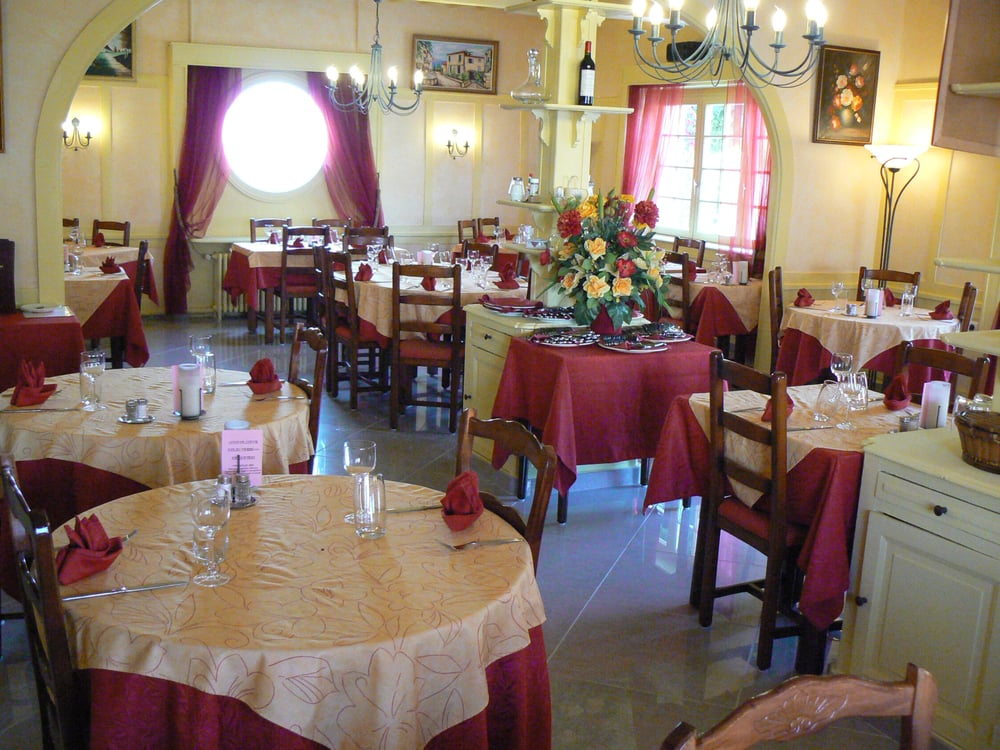 Restaurant A St Andre De Corcy