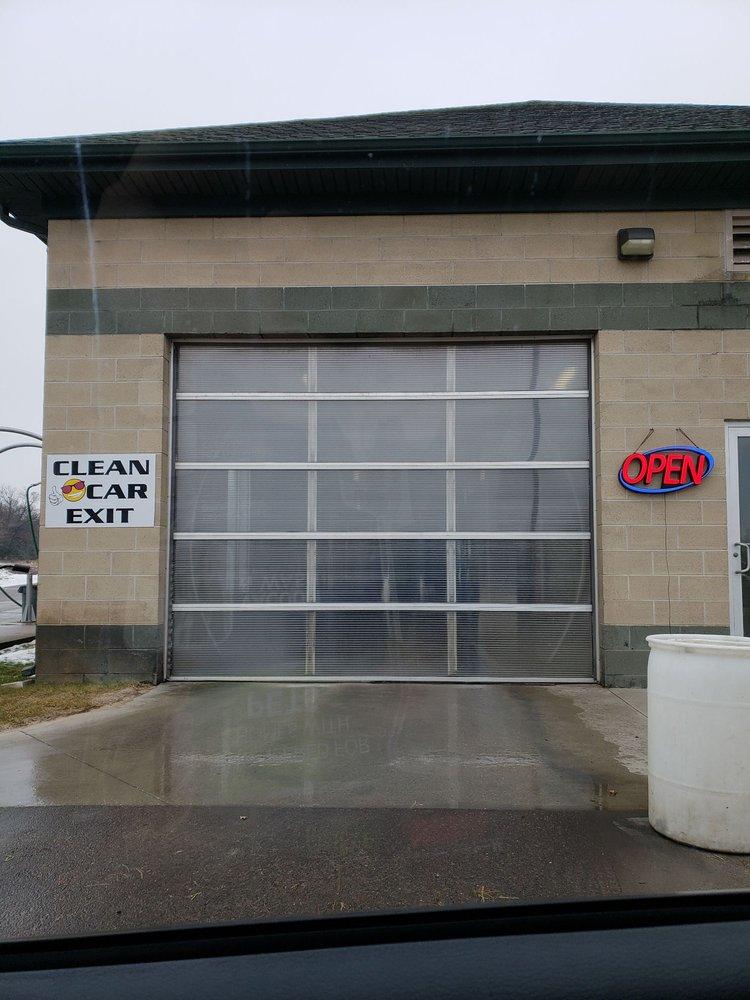 Lucky Auto Wash: 11457 W Carson City Rd, Greenville, MI