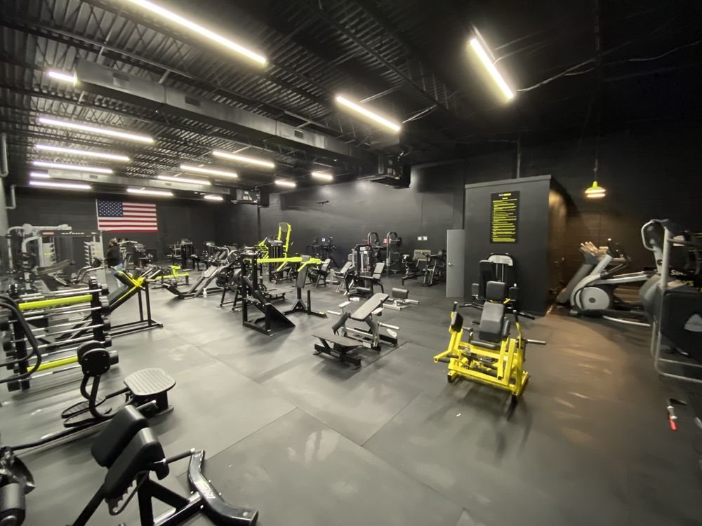 DMV Iron Gym: 5424 Eisenhower Ave, Alexandria, VA