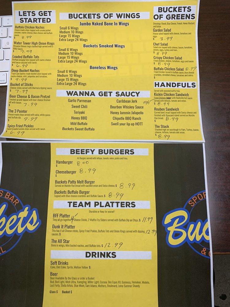 Buckets Sports Bar & Grill: 1318 Hwy 62 65 N, Harrison, AR