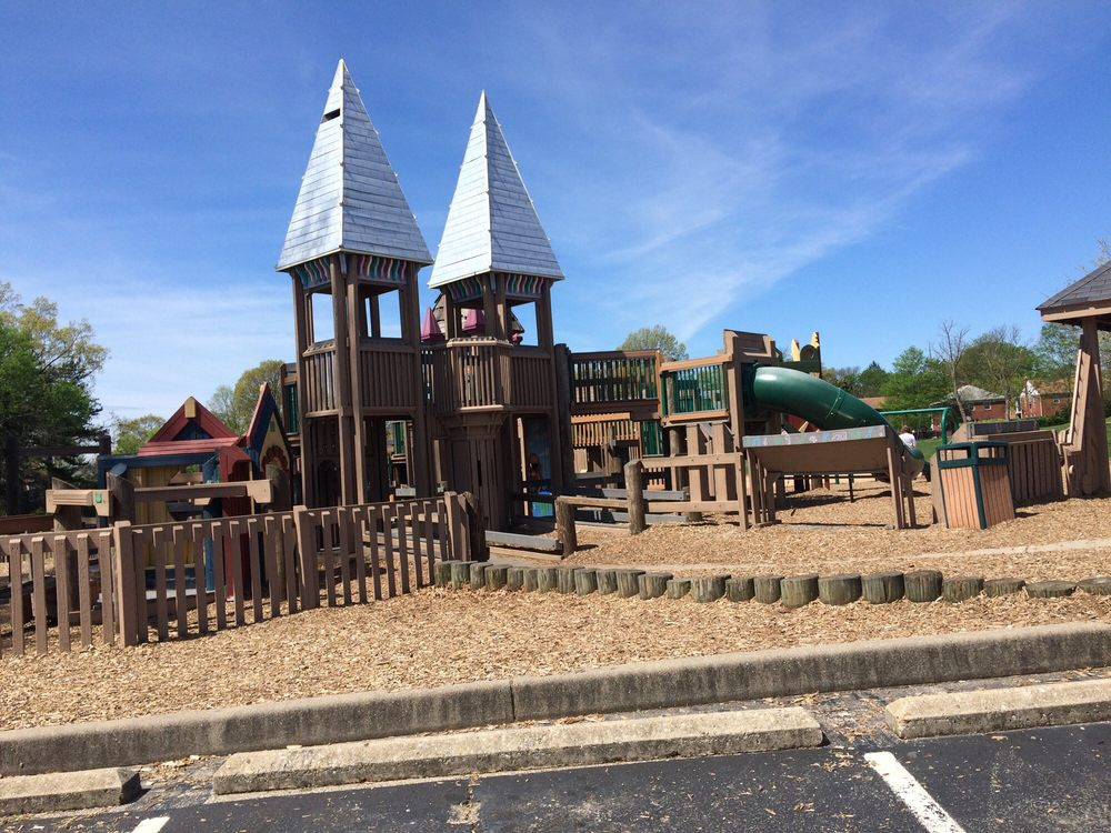 Pleasant Ridge Recreation Center: 5919 Ridge Rd, Cincinnati, OH