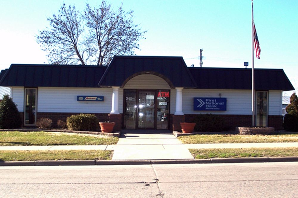 First National Bank Minnesota: 209 Main Ave, Gaylord, MN