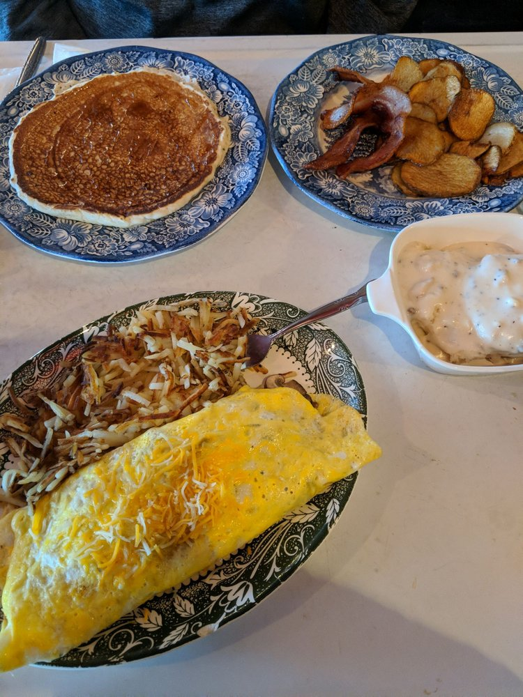 O'Brien's Southern Diner: 2905 Hwy 49 W, Ashland City, TN
