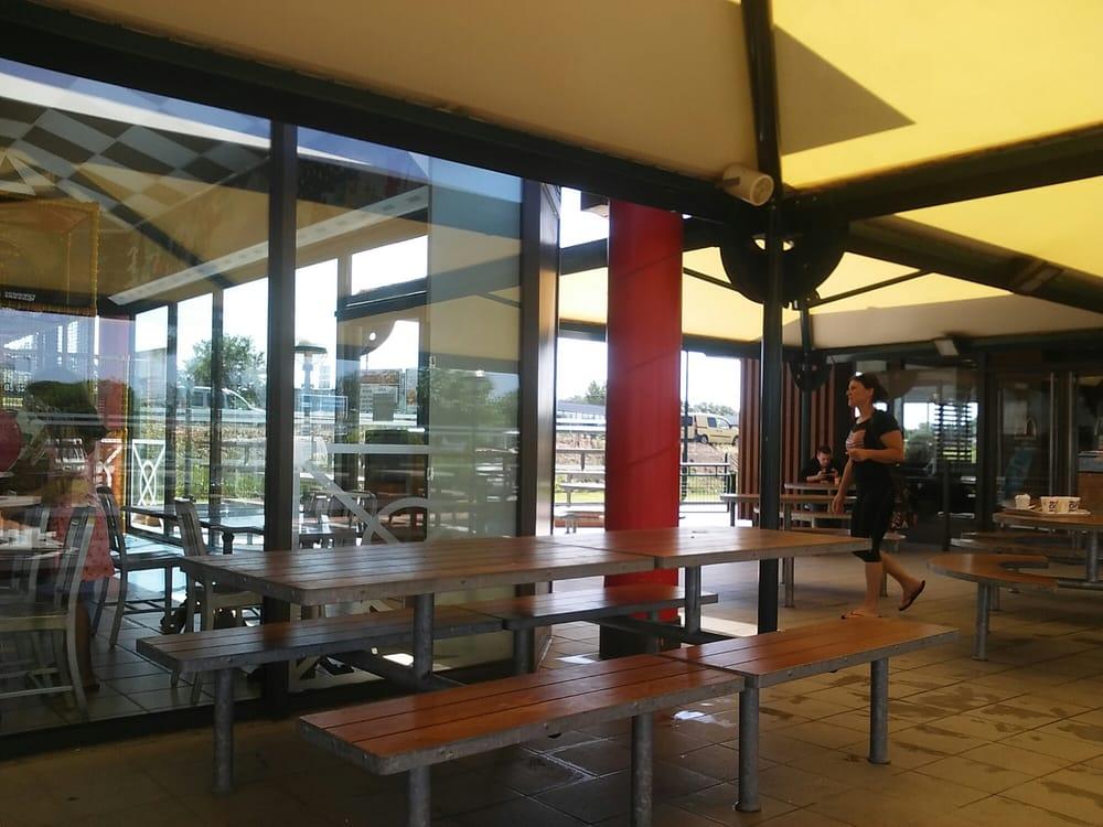 mc donalds hamburger rn 20 centre commercial espace. Black Bedroom Furniture Sets. Home Design Ideas