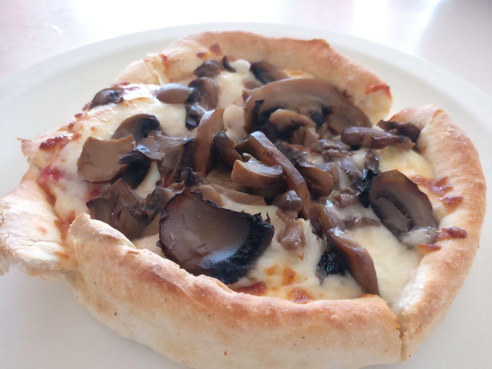 Molokai Pizza Cafe: 15 Kaunakakai Pl, Kaunakakai, HI