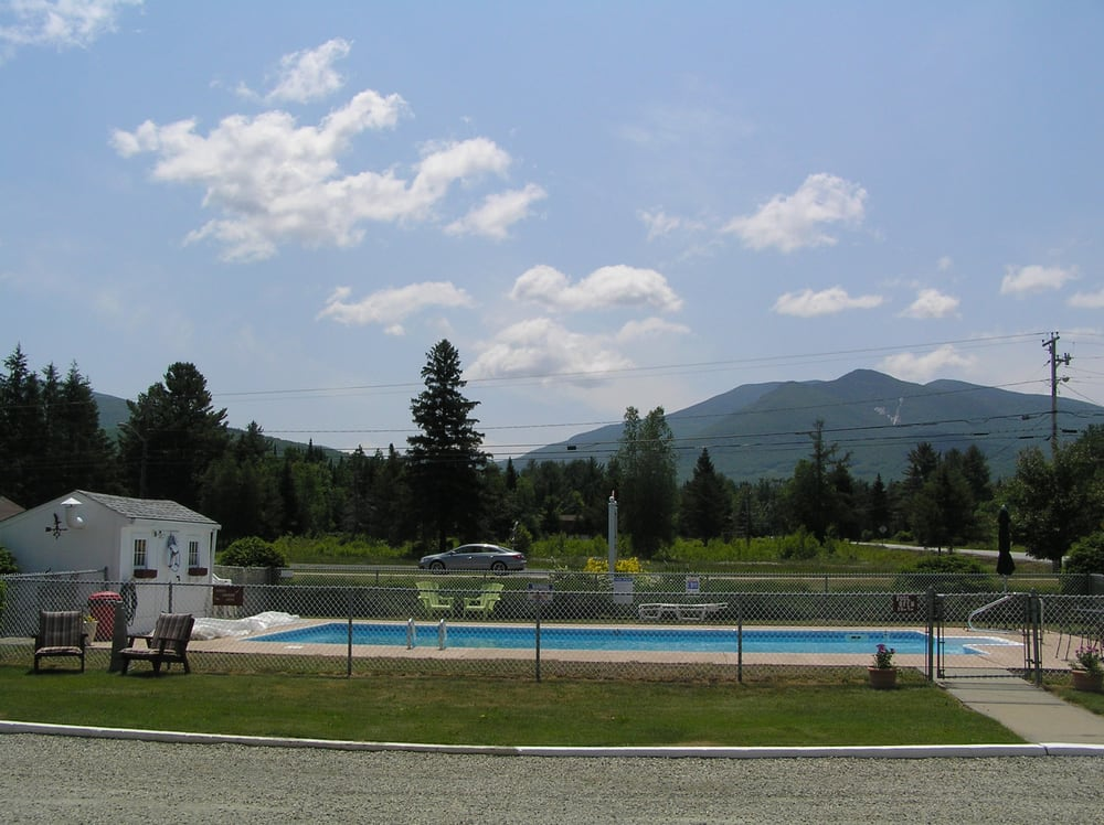 Profile Deluxe Motel: 580 Rt 3 S, Twin Mountain, NH
